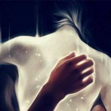 Me encantan los abrazos que me hacen cerrar los ojos